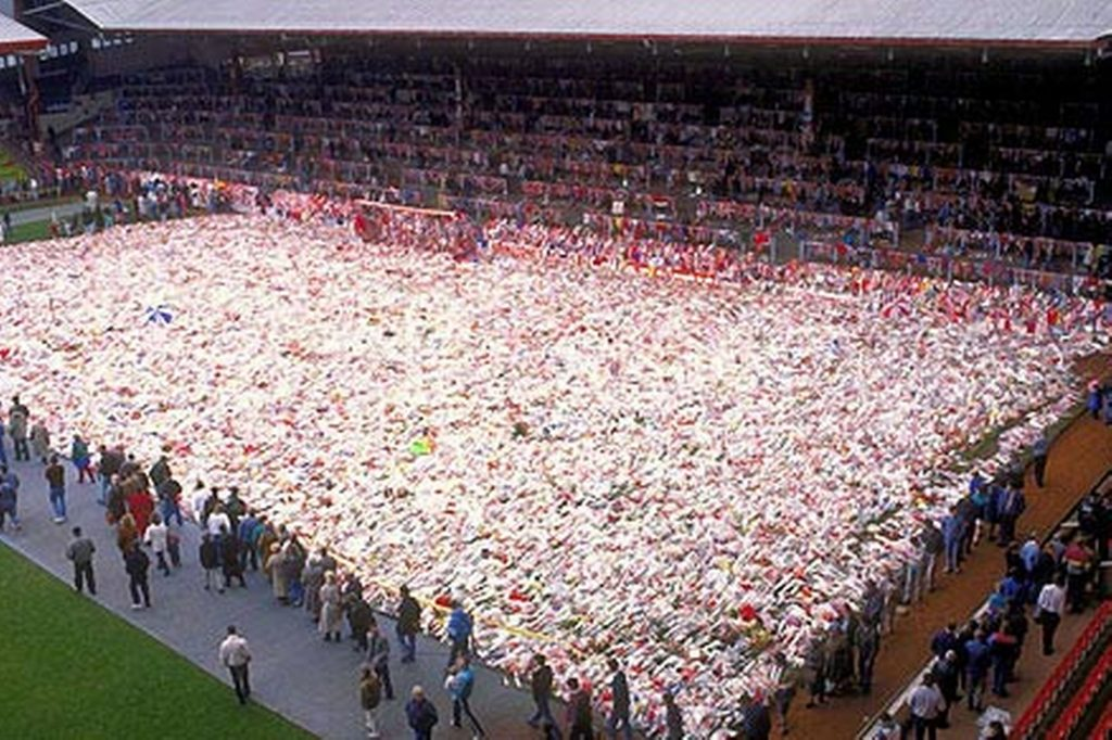hillsborough-anfield-carpet-flowers