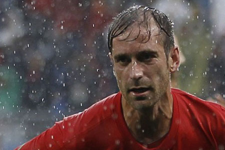 Liverpool tonight announced that 27-year-old Raul Meireles had signed for