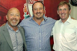 Frank McParland, Rafa Benitez and Kenny Dalglish, 2009